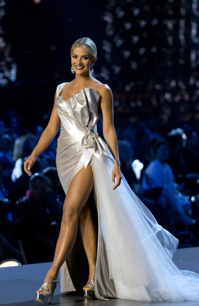 And she looked impressive in this evening gown.