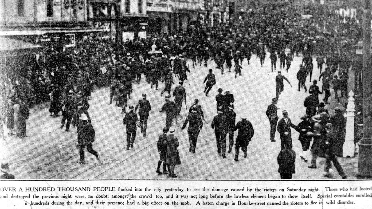 Over a hundred thousand people flocked into Melbourne to see the damage caused by rioters in the city in 1923.