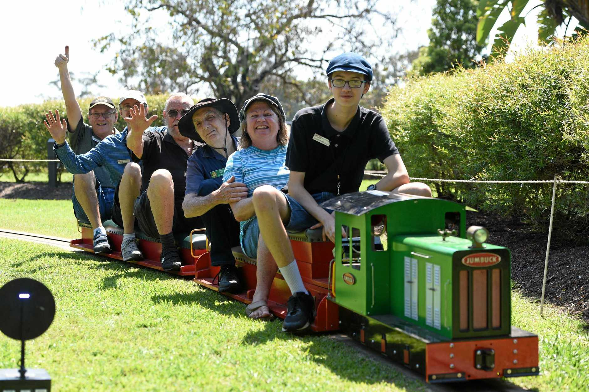 Melsa trains in the park in Maryborough. Volunteers (L) Dale McLennan, Joshua Carr, Henk Schipper, Owen Bell, Jan McLennan and Chris Carr.