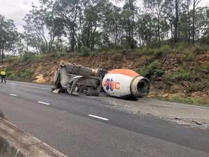 Toowoomba Range re-opens after morning truck rollover