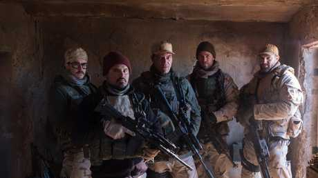 Ben O'Toole, Michael Pena, Michael Shannon, Chris Hemsworth and Geoff Stults in 12 Strong.