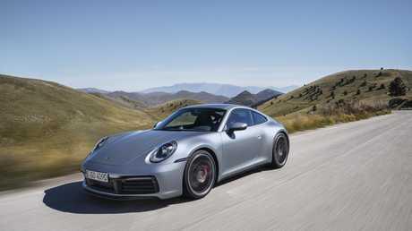 Hitech robots help build the new 911 sports car.