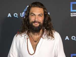 Jason Momoa makes splash at Aquaman premiere
