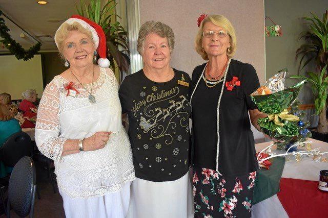 Jill Hillman-Marsh, Val Ceccato and Liz Thomas Ellis at the Chapel Hill VIEW Club Christmas lunch.