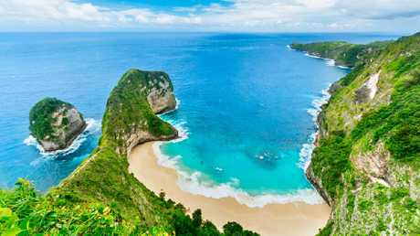 Nusa Penida is just a short boat trip from Lembongan and offers some of the most stunning views you'll find in Indonesia and the world.