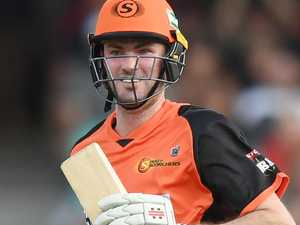 Ashton Turner of the Scorchers smiles after hitting the match winning runs during the the Big Bash League (BBL) cricket match between the Sydney Sixers and Perth Scorchers at the Sydney Cricket Ground (SCG) in Sydney, Saturday, December 23, 2017. (AAP Image/David Moir) NO ARCHIVING, EDITORIAL USE ONLY