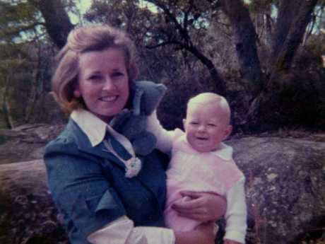 Missing Lyn Dawson with daughter Shanelle at her Bayview home in 1978.