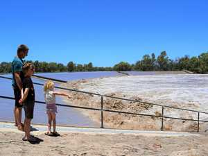 Weir yet to peak but floods are unlikely