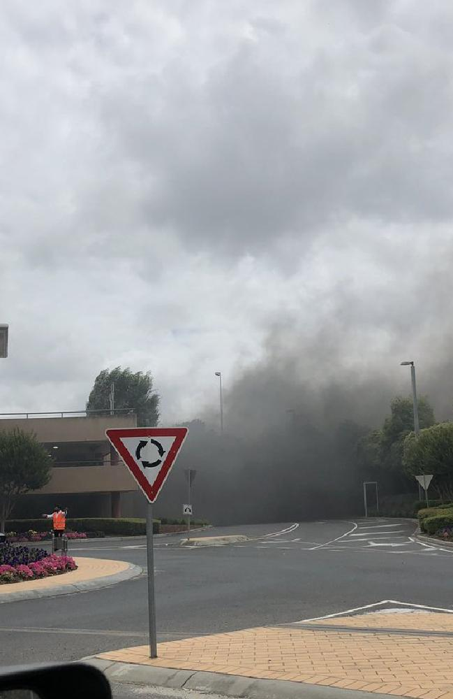 Smoke blankets the carpark entrance at Chadstone. Picture: Twitter/@!ashhendel