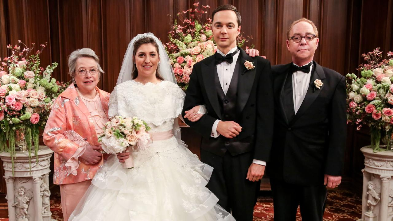 Bialik (second from left) in Big Bang Theory.