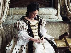 MOVIE REVIEW: Why The Favourite is an Oscar triple threat