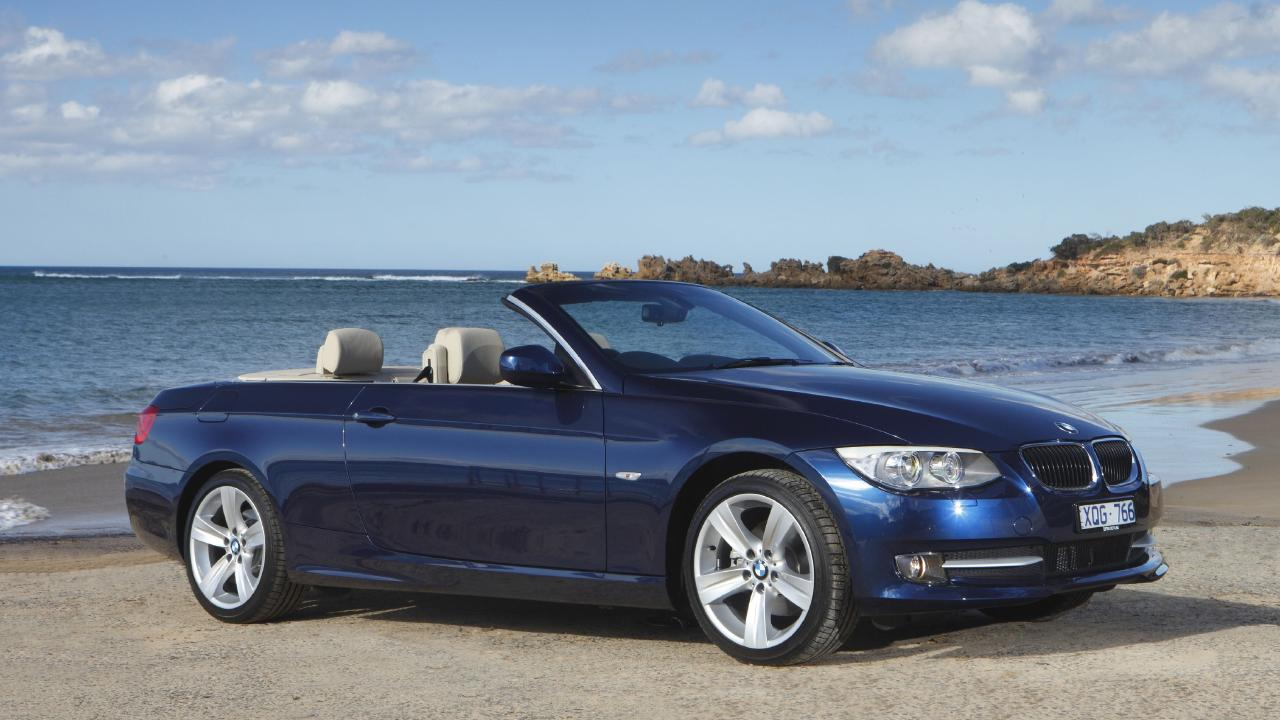 A BMW 320d convertible, similar to the one stolen in Runcorn. It's not known what shade of blue the stolen vehicle was.