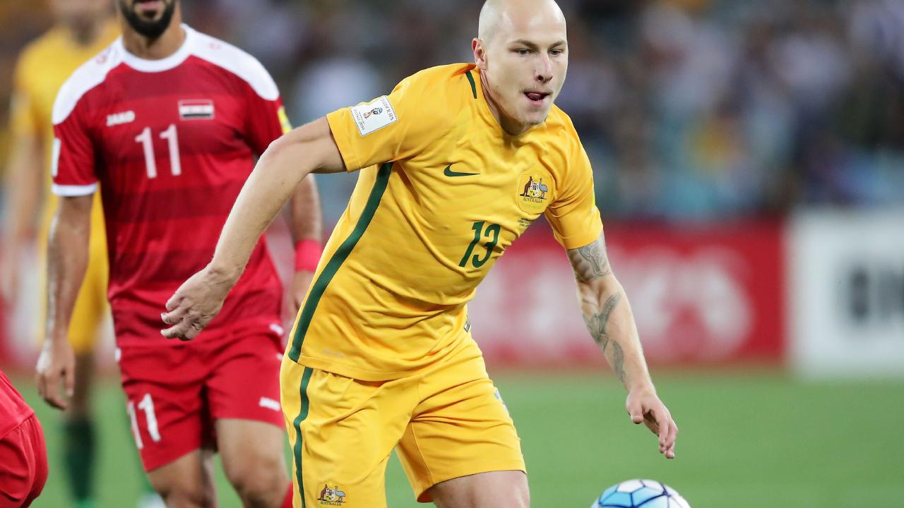 SYDNEY, AUSTRALIA - OCTOBER 10: Aaron Mooy of Australia controls the ball during the 2018 FIFA World Cup Asian Playoff match between the Australian Socceroos and Syria at ANZ Stadium on October 10, 2017 in Sydney, Australia. (Photo by Matt King/Getty Images)