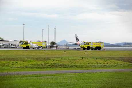 A budding photographer has caught the moment a light plane crash landed on a runway at Sunshine Coast Airport.