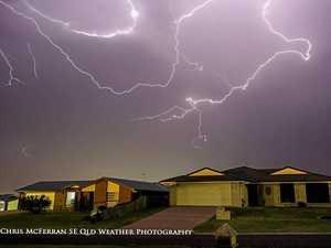 Severe thunderstorm warning as Warwick skies turn dark