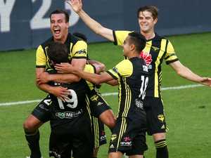 Pumped-up Phoenix punish Brisbane Roar