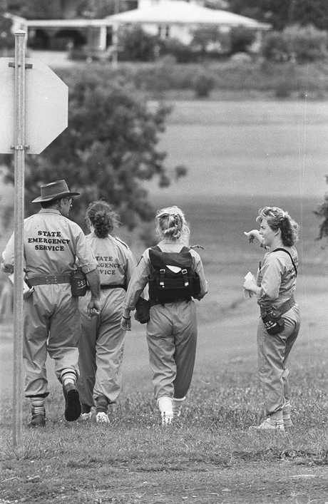 Police search for clues in the days following the November, 21 1989 murder of Annette Jane Mason. Picture: The Chronicle Archives
