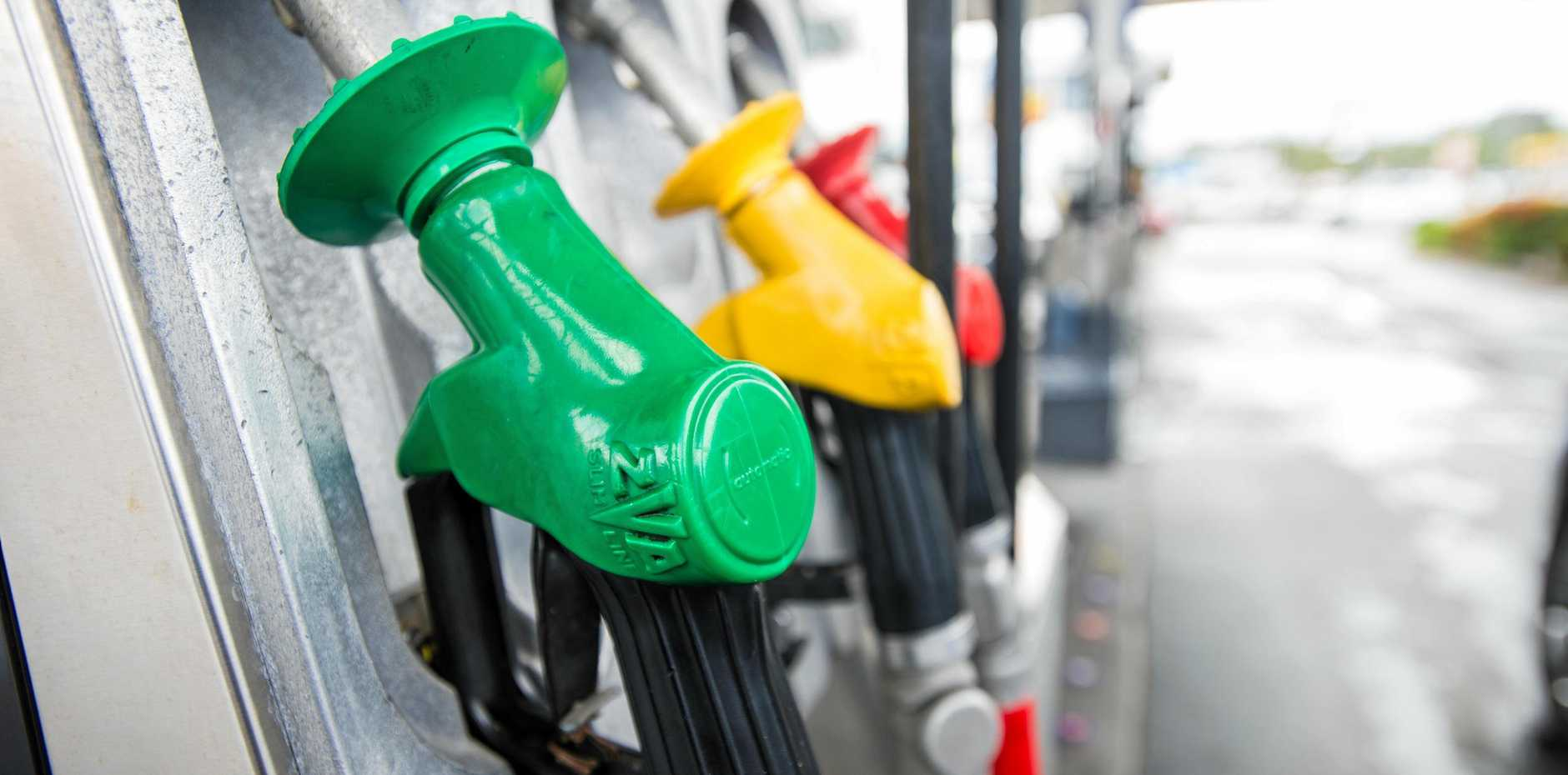 If you're filling up for a Christmas roadtrip or holiday today, here is a helpful list of where to find cheap fuel, and where to avoid