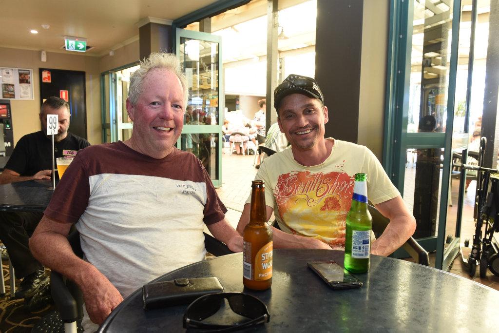 Torquay Hawaiian Beach Party - Steve Moss and Shannon