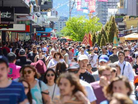 Aussies are expected to splash about $3.2 billion over the Boxing Day period. Picture: AAP Image/ Brenton Edwards