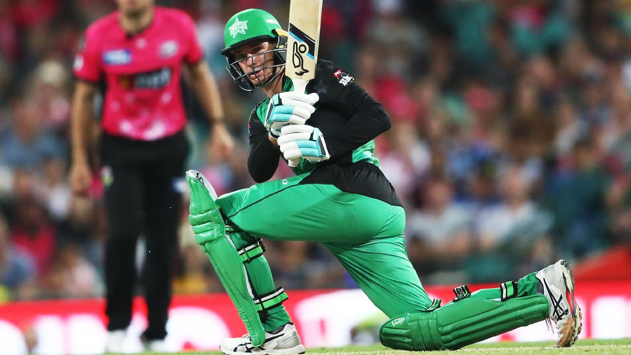 Dumped Test batsman Peter Handscomb has sent a not-so-subtle message to Australian selectors, bludgeoning 70 in the Melbourne Stars' five-wicket flogging of the Sydney Sixers.