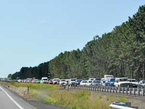 Mander mauls State Govt over traffic chaos