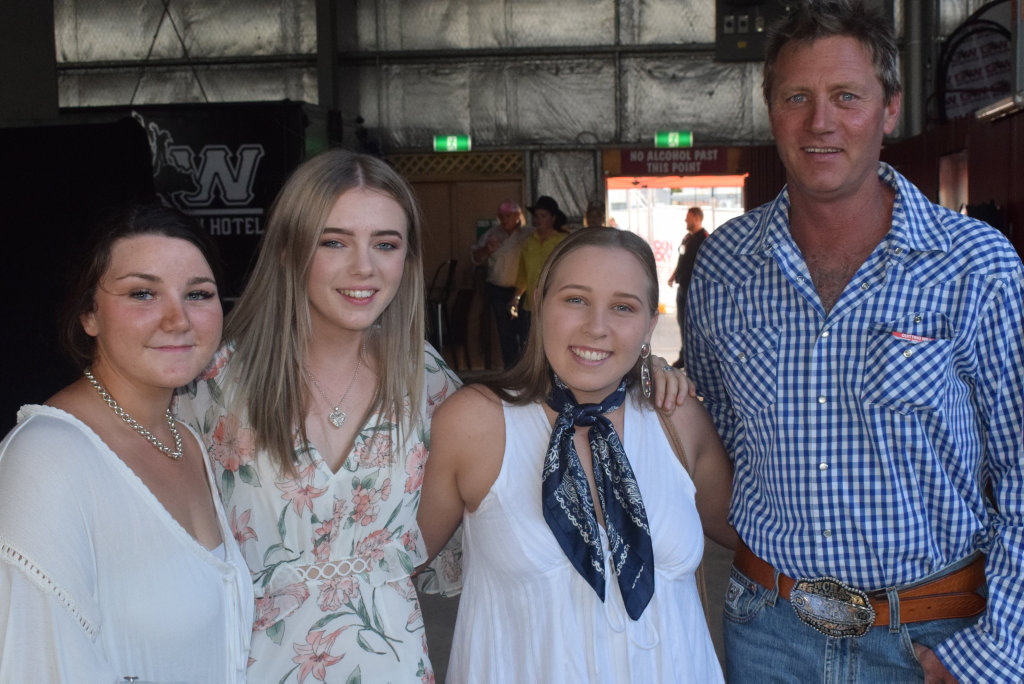 Chelsea Bowden Shelbee Sonter Taylor And Andrew O Toole Buy Photos Online Chronicle