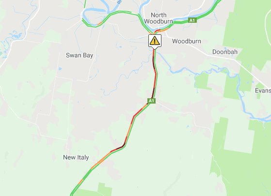 Live Traffic NSW map of heavy holiday traffic causing long delays at Woodburn on the Pacific Highway.
