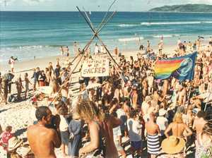 'Record' numbers flock to nude beach