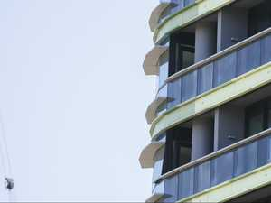 More cracks appear in Opal Tower