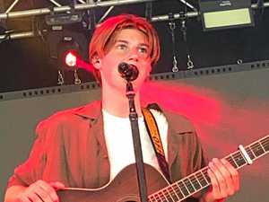 Teen star offers Pain Killer to adoring fans at Falls