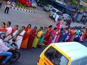 'Astounding' human chain of women