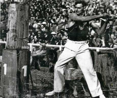 Gympie wood chop legend Vic Summers.