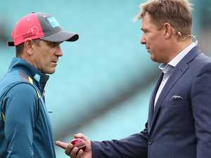 Warnie has words for awful Aussies