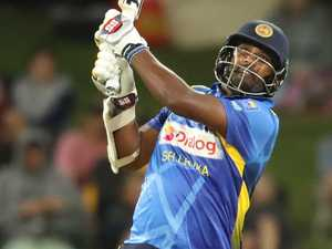 Star thumps whopping 13 sixes in 74-ball blitz