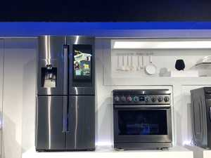 Samsung at CES 2019: A fridge that recommends TV shows