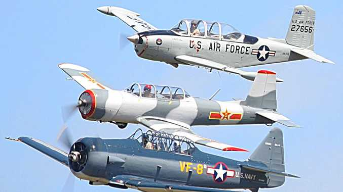 AWE-INSPIRING: A formation of CT/4 T54 Nanchangs showing off at the 2017's Great Eastern Fly In.