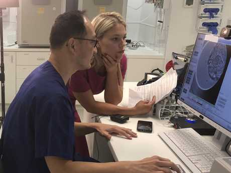 Groundbreaking Swedish IVF technology arrives on the Gold Coast. Senior Monash IVF Specialist Dr Kee Ong uses the new technology.
