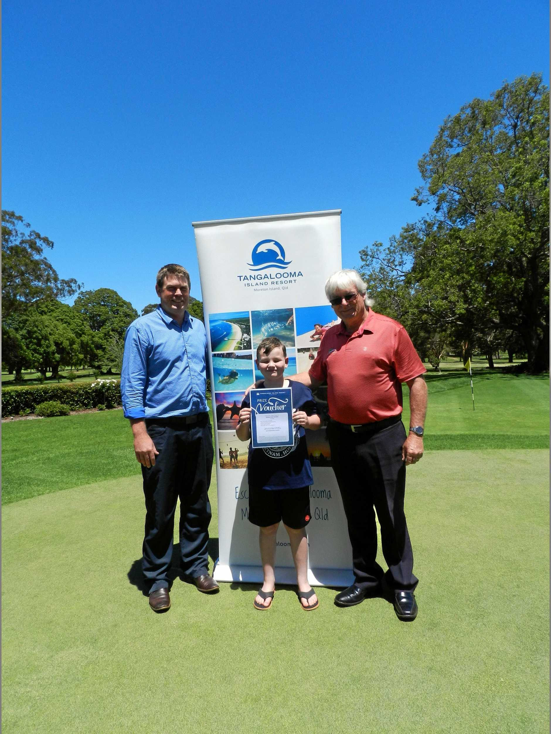 2018 Middle Ridge Challenge winner David Hearne (right) with his son Davey and Toowoomba Golf Club general manager Johnathon Zirkler.