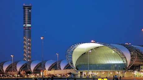 Ms Alqunun chose to enter Thailand after arriving at Bangkok's Suvarnabhumi airport.