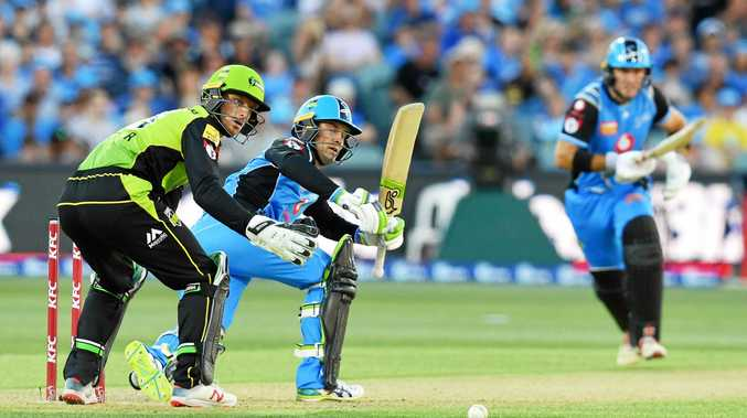 Alex Carey bats for the Adelaide Strikers in their Big Bash League clash with the Sydney Thunder at Adelaide Oval on December 31. Picture: David Mariuz/AAP