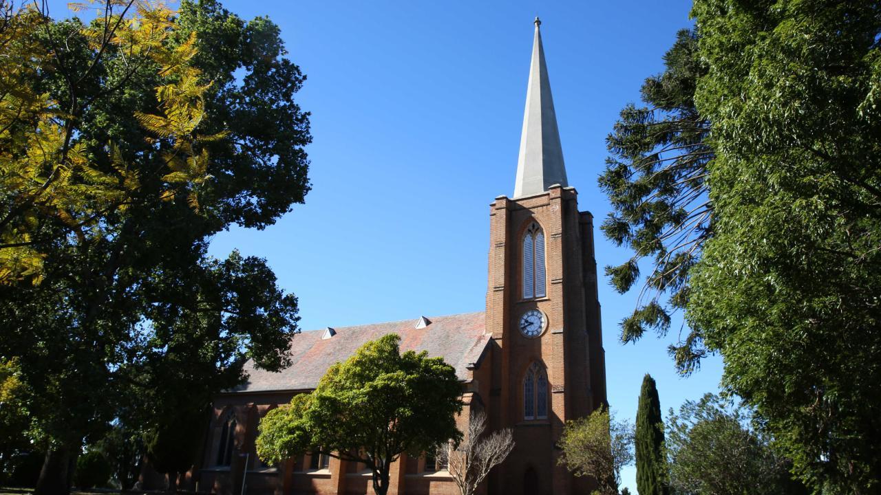 More people are seeking faith — not religion, says Mt Whitford. (AAP Image / Angelo Velardo)