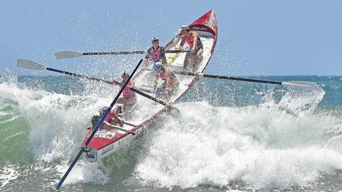 BP Wessel classic round 1 - Surf Boast racing at Alexandra Headland. Crew from Noosa Surf Club.