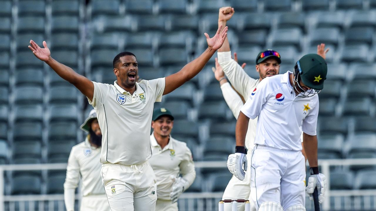 Vernon Philander picked up two late wickets to give South Africa the momentum.