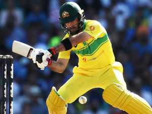 Aussies persist with Maxwell at No. 7
