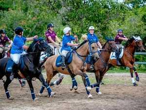 Rivals Queensland and NSW meet in horseball series