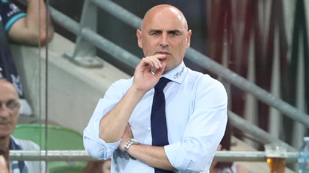 Victory coach Kevin Muscat is looking for some new blood. (AAP Image/David Crosling)