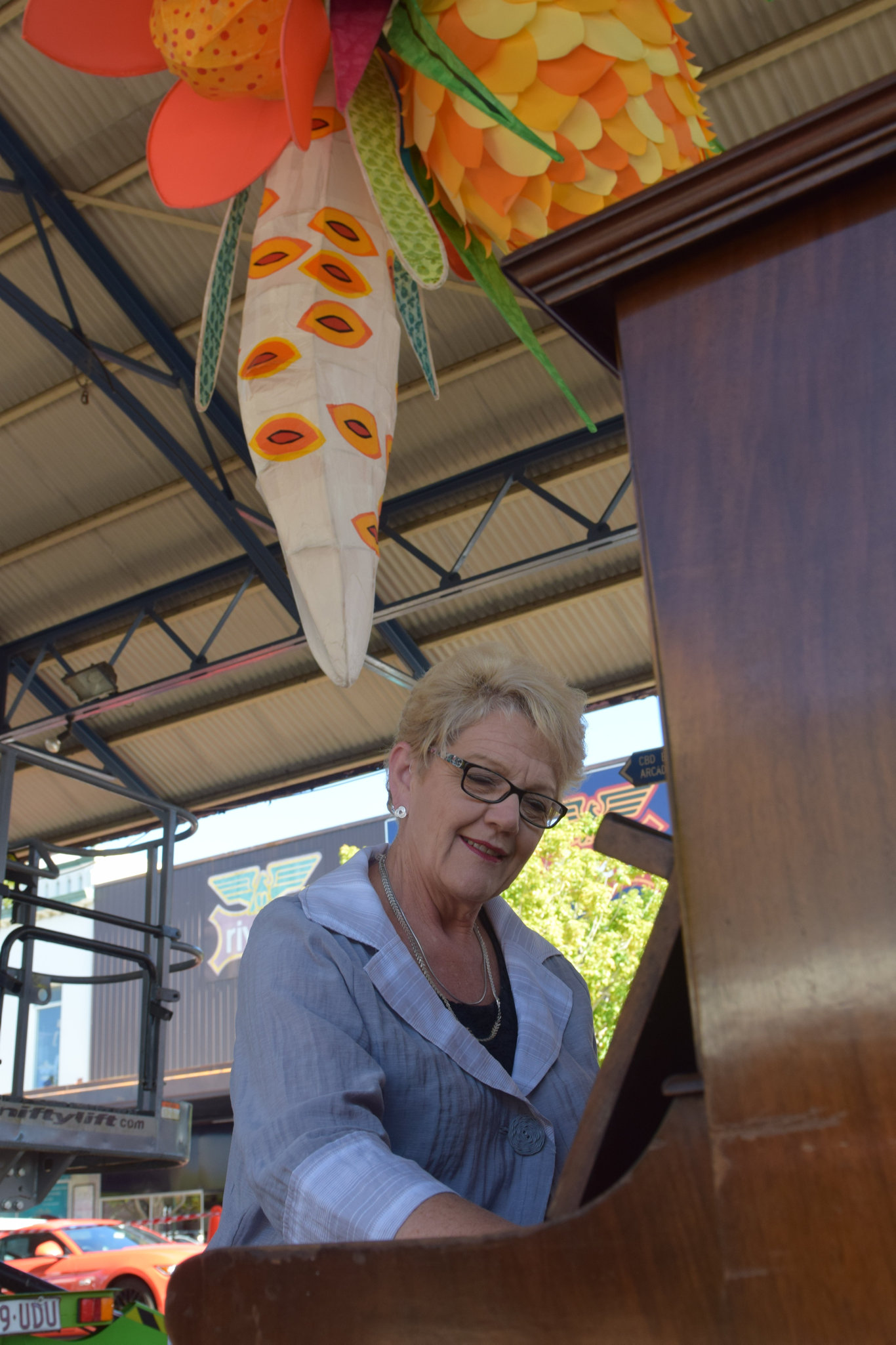 PIANO: Cr Judy Peters was eager to play a little tune at the first installation of the art trail.