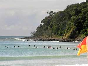 Noosa surf survey to figure surfers