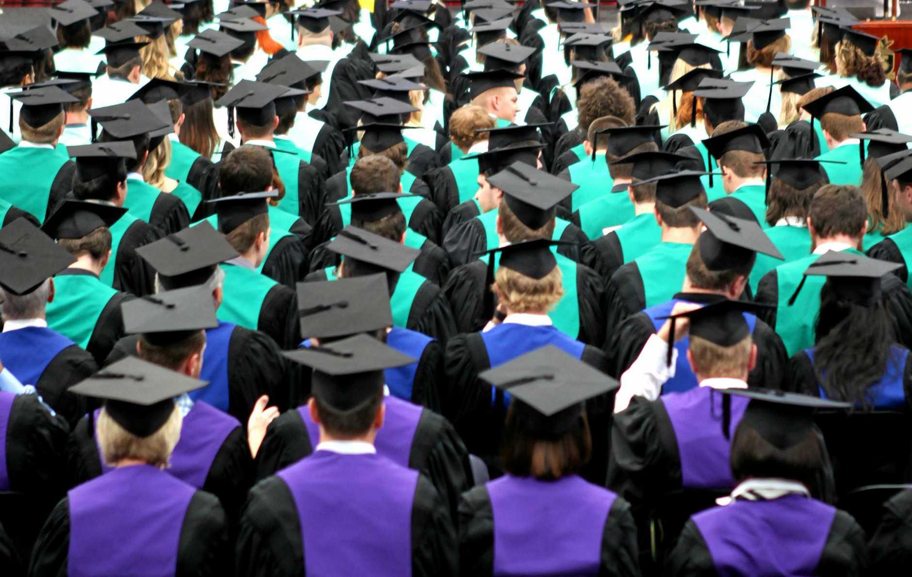 Graduation at CQUniversity. Photo Allan Reinikka / The Morning Bulletin